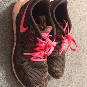 Womens Nike free runs